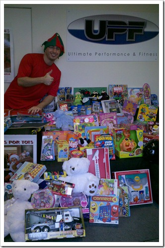 Westlake Village Personal Trainer Collects Toys for Tots